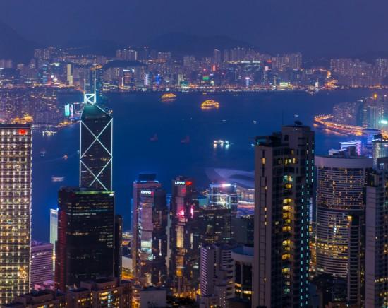 マカオ世界遺産と香港ビクトリアピークからの100万ドルの夜景<マカオ出発/フェリー込み/軽食付き/日本語ガイド>