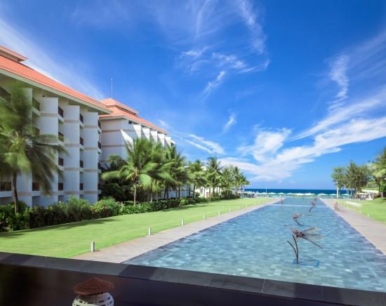 【ホーチミン発】ベトナム航空で行く!ベトナム屈指のビーチリゾート「ダナン」1泊2日<選べるホテル+航空券+専用車 空港送迎込み/観光つきプランあり>