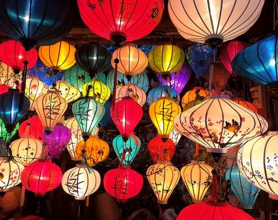 【ホーチミン発】ベトナム航空で行く!世界遺産「ホイアン」1泊2日<選べるホテル+航空券+専用車 空港送迎込み>