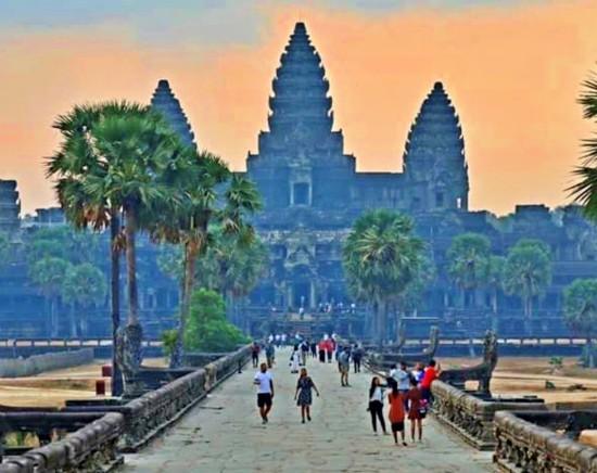 【ジャカルタ発】世界遺産アンコールワットを訪ねる遺跡満喫カンボジア2泊3日