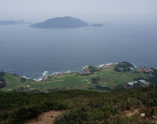 香港で人気No.1のコースを歩く、ドラゴンズバックハイキングと添好運で飲茶の昼食<終日/高速鉄道/昼食付き/日本語ガイド>