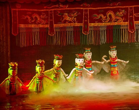 【ニャチャン】水上人形劇&ベトナム料理の夕食<日本語ガイド付き>