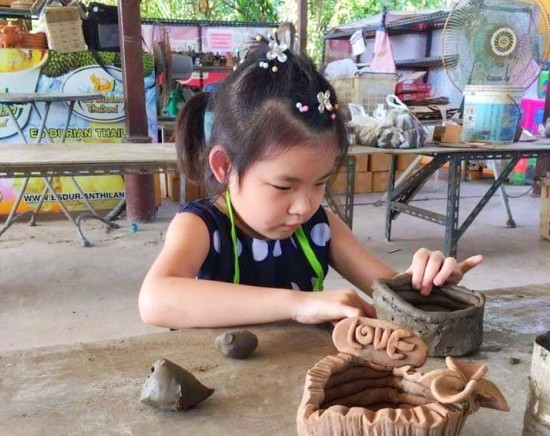 【8月29日限定】チャチュンサオ体験ツアー 陶器作り体験+巨大なピンクガネーシャ <日本語ガイド/午前半日/催行日限定>