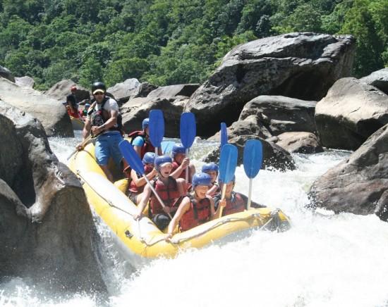 大迫力!バロン 川でラフティングツアー<日本語ガイド/ラフティング/熱帯雨林/バロン川/激流>