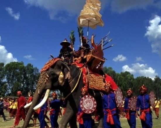 *販売終了*【スリン】11月21日発 スリンの象祭り1泊2日!ピマーイ&パノムルン遺跡観光付き