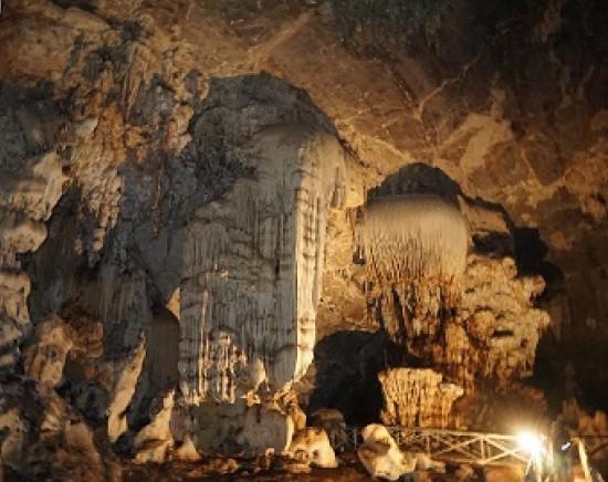 タイ最大級の洞窟「チェンダオ洞窟」+首長族村 訪問<日本語ガイド/1日>