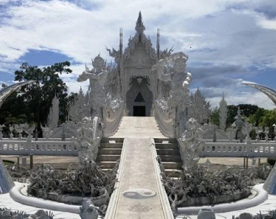 フォトジェニックツアー!話題の寺院へご案内 ワットロンクン(ホワイトテンプル)+ワットロンスアテン(ブルーテンプル)<日本語ガイド/1日凝縮>