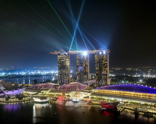 ライトアップ!シンガポールのナイトショー鑑賞