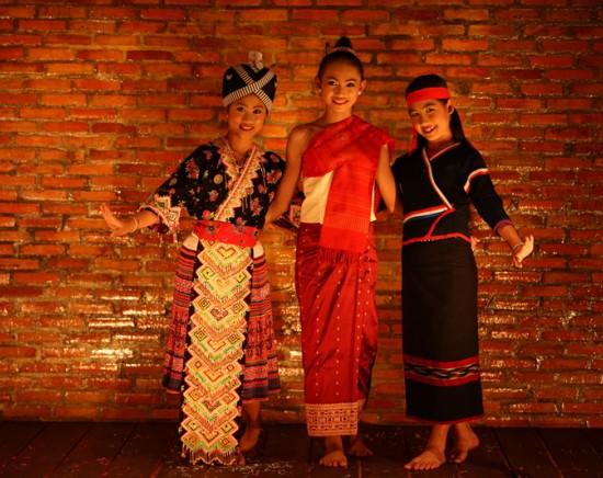 【ルアンパバーン】伝統舞踊ディナーショー『ソン・パオ』