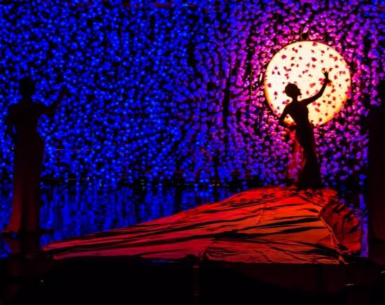 カリプソニューハーフショー+老舗タイスキ「COCA」<日本語ガイド/バンコク市内ホテルお送り>