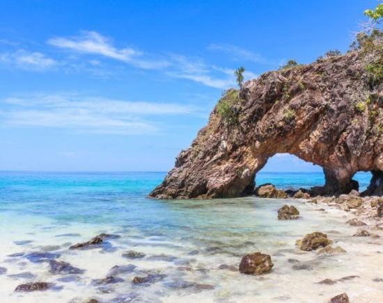 カイ島1日ツアー 小さな無人島でシュノーケリング<スピードボート利用/昼食付き/日本語ガイド/1日/ホテル送迎>