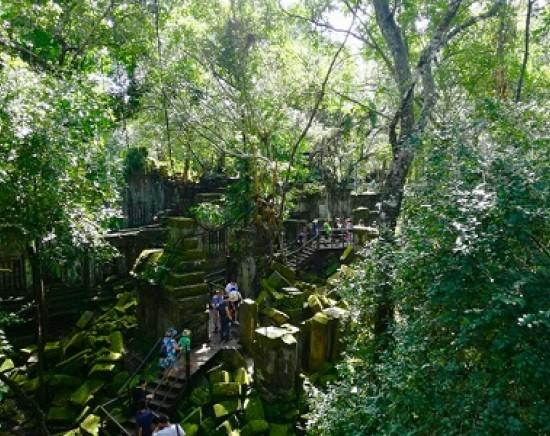 リピーター向けの秘境コース!水中遺跡「クバルスピアン」、天空の城ラピュタのモデル「ベンメリア」、東洋のモナリザ「バンテアイスレイ」を巡る1泊2日