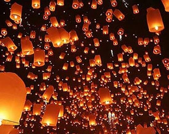 【バンコク発  10月31日or11月1日発 】タイ国際航空 or バンコクエアウェイズで行く!コムロイ(ランタン)祭り 1泊2日