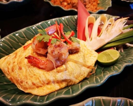 エラワンティールーム ~アフタヌーンティ or タイ料理ビュッフェ <ミールクーポン>