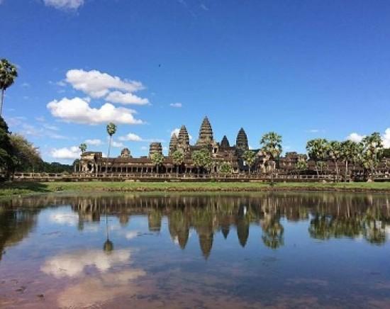 【カンボジア+ベトナム】世界遺産アンコールワット+ベトナム ホーチミン 2泊3日周遊プラン