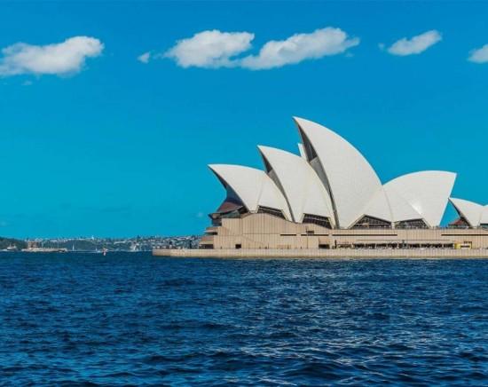 シドニー市内2大世界遺産オペラハウスとハイドパークバラックスをめぐる半日観光ツアー<日本語ガイド/世界遺産/館内ツアー/指定ホテル送迎>