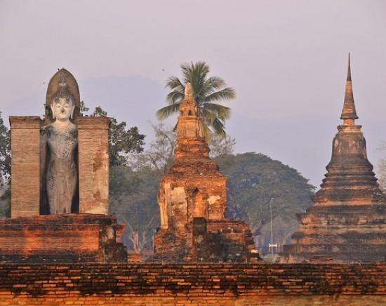 【ピサヌローク&スコータイ】タイで最も美しい仏像と世界遺産遺跡群 1泊2日