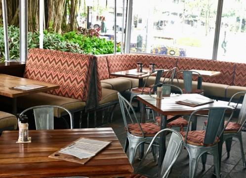 【ケアンズ 】地元人にも人気のレストラン&バー・コットンクラブ<レストラン予約/セットメニュー>