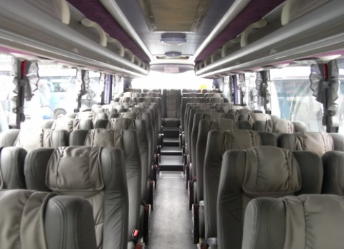 車両一例:大型バス