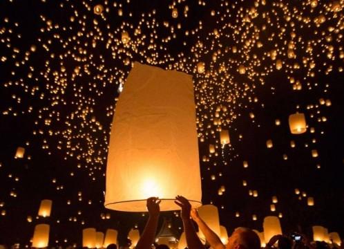 【チェンマイ発10月31日発】コムロイ祭り(ランタン祭り)チケット&日本語ガイド付き 往復送迎
